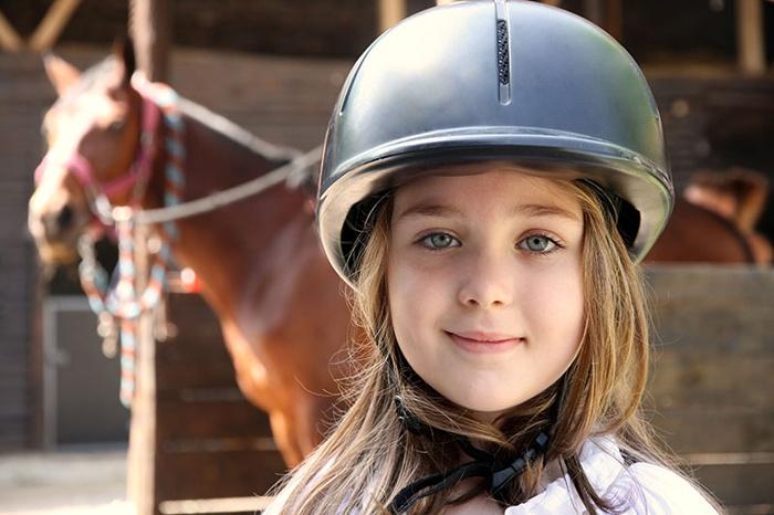 bezpieczny obóz jeździecki